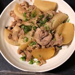 晩御飯 今日の晩御飯😋豚バラ大根、きんぴら きゅ…