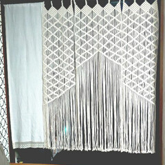 マクラメ/マクラメ編みタペストリー/リミアな暮らし/ハンドメイド マクラメ編み第3作‼️のれんです。 やっ…
