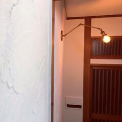 セルフリノベーション/玄関/漆喰/中古物件/リノベーション/DIY/... 照明つけて、ついに玄関完成しました。 今…