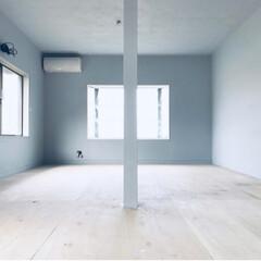 ペイントDIY/セルフリノベーション/中古物件/和室から洋室/和室リフォーム/和室リメイク/... モルタル風塗装にするためのグレー塗装終了…
