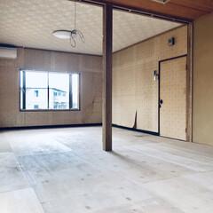 セルフリノベーション/リノベーション/中古物件/床張り替え/和室から洋室/和室リノベーション/... 床張り替え完了。 奥行きが出て広く感じま…