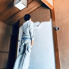 砂壁/漆喰壁/漆喰/玄関/セルフリノベーション/中古物件/... 玄関の砂壁に漆喰塗ります! すぐに使える…