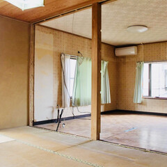 壁を壊す/壁をぶち抜く/リノベーション/中古物件/セルフリノベーション/砂壁/... 和室入り口からみた部屋。 ここは壁にする…
