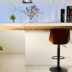 フェイクグリーン/カウンターテーブル/イス/カラーボックス/カウンターキッチン/セルフリノベーション/... カウンターチェア届きました。 違うデザイ…