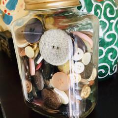 ボタン 古着処分するたびに集めたボタン 何か使い…(1枚目)