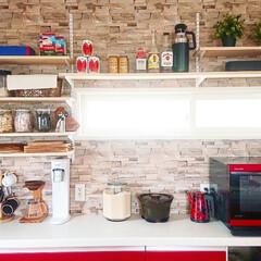 壁面収納DIY/壁面収納棚/壁面収納/キッチン収納DIY/収納棚/収納アイデア/... キッチンの収納棚完成しました✨ 土台にな…