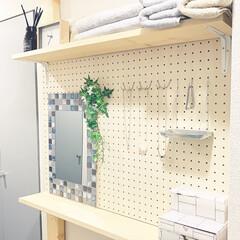 1K/シンプルインテリア/ひとり暮らし/有孔ボードdiy/有孔ボード/サニタリースペース/... お風呂前のデッドスペースにラブリコを設置…