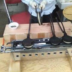 せんべい/郷土料理/小麦/露店商/ファーストフード 粥に小麦と塩を投入して焼く。 冷えた米飯…