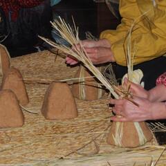 手作り味噌/味噌玉/味噌/秋 茅葺き屋根と藁苞ならではのカビと菌で熟成…(3枚目)