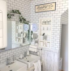 洗面所大改造/リメイクシート/ジュートラグ/ラブリコ棚DIY/クッションフロア/ホワイト化計画/... 洗面所♬ 床に大理石柄のクッションフロア…