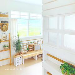 窓枠DIY/窓枠風/ナチュラルインテリア/ナチュラル/寝室インテリア/寝室/... ♡ 寝室の入り口です ♡  ラブリコで作…