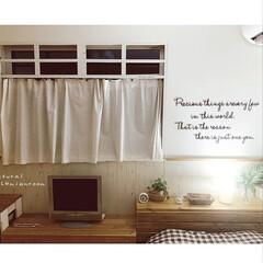 リミアな暮らし/LIMIAインテリア部/BOHOインテリアに憧れる/ナチュラルスタイル/ウォールデコシール/ナチュラルインテリア/... いつかの夜の寝室.。.:*☆ 自作の窓枠…