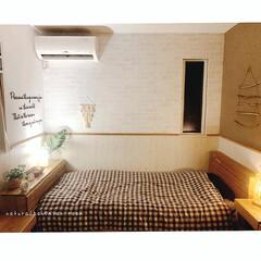 bohoスタイル/BOHOインテリア/寝室/寝室インテリア/ナチュラルインテリア/リミアな暮らし/... 壁紙を貼り替えしました☆ 正面のレンガ柄…
