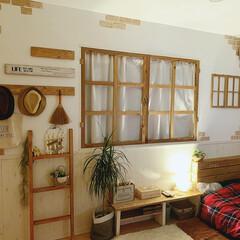 DIY女子/セリア/寝室インテリア/寝室/窓枠DIY/窓枠風/... 夜の寝室⋆°。✩  窓枠をDIYしました…