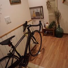 玄関/ラピエール/自転車/ロードバイク 主人の新車(ロードバイク)が昨日届きまし…
