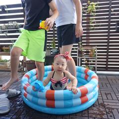 マンション/ベランダ/プール/おうちプール/ベランダプール/赤ちゃんのいる生活/... ベランダにプール出して水遊び! 娘用にと…(3枚目)