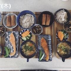 キッチン/昼ごはん/息子飯/昼食/おうちごはん/ランチ 今日の昼ごはん! ・雑穀ごはん ・塩鮭 …