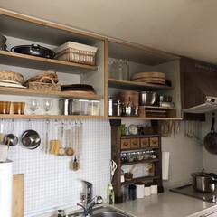 台所/キッチンインテリア/キッチン/見せる収納/DIY/吊り戸棚 キッチンの吊り戸棚の扉を外しちゃいました…