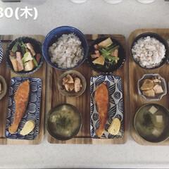 男子ごはん/昼ごはん/キッチン/息子飯/おうちごはん 今日の昼ごはん! ・雑穀ごはん ・シャケ…
