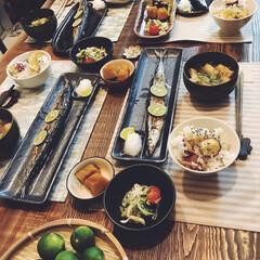 ダイニング/食卓/秋刀魚/秋の味覚/夜ご飯/料理/... 今日の晩御飯!秋の味覚祭りです。 食べ物…