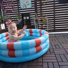 マンション/ベランダ/プール/おうちプール/ベランダプール/赤ちゃんのいる生活/... ベランダにプール出して水遊び! 娘用にと…(1枚目)
