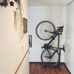 ロードバイク収納/自転車/玄関/ラピエール/ロードバイク 主人の新車(ロードバイク)の置き場は、結…