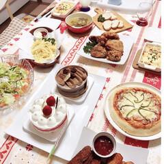 パーティ/おうち/クリスマス/おうちごはん/グルメ/フード/... 去年のクリスマスディナー♡ ピザやグラタ…