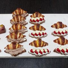 プティポッシュ/樹脂粘土/クロワッサン/パン/フェイク/手作り/... バックチャーム用に大きめサイズのクロワッ…(2枚目)