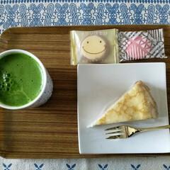 お土産のクッキー/抹茶ラテ/至福のひととき/おやつタイム 暑いですね😉  おやつを食べて エネルギ…