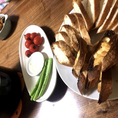 煮込み料理/フランスパン/赤ワイン/ビーフシチュー/スタミナご飯/連休中に作ったものシリーズ 連休中に作ったものシリーズ✨③次はメイン…