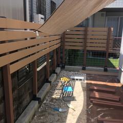お庭DIY/目隠しフェンス/フェンスDIY/DIY/夏対策 お庭にフェンス、旦那と2人で取り付けまし…