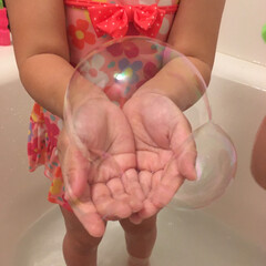 おうち時間を盛り上げよう/おうち時間/シャボン玉/お風呂/暮らし 定番となった、お風呂前の浴槽プール!意外…