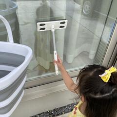 窓掃除/掃除/DAISO/coucou/100均/3COINS/... 今日は水鉄砲で遊んでからの 気まぐれ窓掃…