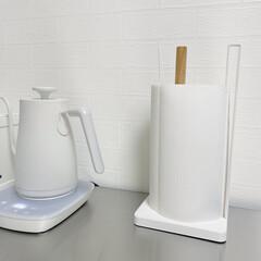 山善 電気ケトル YKG−C800−W ホワイト | 山善(電気ケトル)を使ったクチコミ「キッチンペーパーホルダーは山崎の トスカ…」