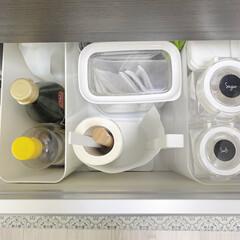 """ベルメゾン 透明な蓋で中身が見える保存容器""""フレッシュロック""""(食品保存容器)を使ったクチコミ「前ポスト、キッチンペーパーホルダーは 普…」"""