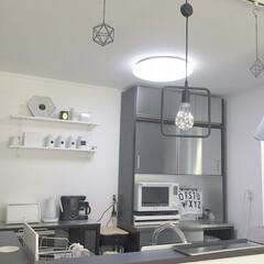 ウォールシェルフ/キッチン/収納/キッチン収納/キッチン雑貨/雑貨 ステンレスのカップボードがお気に入り☺︎…