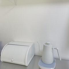 山善 電気ケトル YKG−C800−W ホワイト | 山善(電気ケトル)を使ったクチコミ「キッチン壁紙  レンガ柄が気に入っていま…」