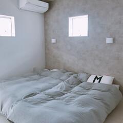 グレーインテリア/コンクリート壁紙/ブラケットライト/ベッドルーム/寝室インテリア/寝室リフォーム/... 寝室♡ 小上がり畳コーナがなくなってスッ…