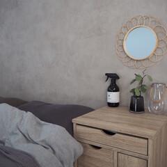 寝室インテリア/インテリア雑貨/ラタンミラー/ドレッサー/寝室 寝室インテリア🍀 寝室が1番好きです。 …