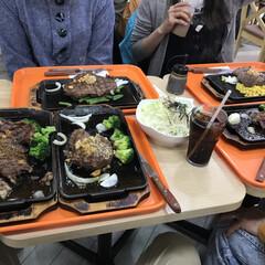 肉 久しぶりにいきなりステーキ! 2種類の肉…