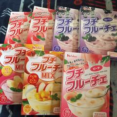 フルーチェ/おうちごはん/簡単/節約 牛乳入れるから栄養あるかなぁ🤣🤣🤣 大人…(1枚目)
