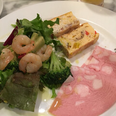 ピザ/イタリアン/フード 今日のランチはイタリアン サラダ〜ピザ