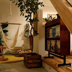 自然素材/無垢材/無垢杉の床/漆喰の壁/白い壁/四角の家/... . ~好みのインテリアでまとめた  おし…