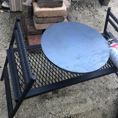 シーズニング/焚き火/鉄板/キャンプギア/おすすめアイテム 昨日届いた鉄板のシーズニングを午前中四時…