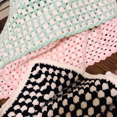 ハンドメイド/雑貨/100均/ダイソー/セリア/キャンドゥ/... かぎ針編み、グラニースクエアで作りました…