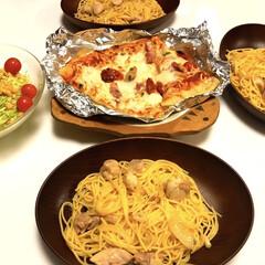 サラダ🥗/コストコがピザ🍕/チキンとオニオンのペペロンチーノ/食事情/おすすめアイテム/暮らし/... おはようございます😃  昨日は、家族が揃…