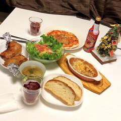 簡単/こどもの飲み物/カブとハムのポトフ/ピザ/塩バターバケット/生ハムと玉ねぎとパプリカマリネ/... メリークリスマス🎄  簡単に出来るものを…