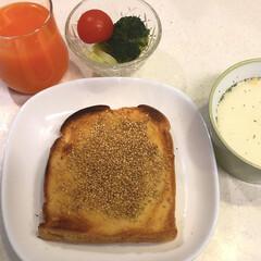 簡単/ごま/バター/はちみつ/セサミトースト/2018/... 食べ過ぎ注意!セサミトースト😋 バター …