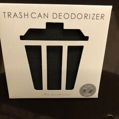 消臭シート/ゴミ箱/セリア/100均/キッチン雑貨/住まい/... ゴミ箱のお供にセリアの消臭シート🌟 裏に…