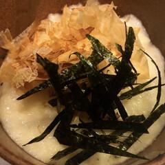 とろろ/大和芋/フォロー大歓迎/冬/おうち/おうちごはん/... 大和芋を頂き、とろろにしました🎶 これも…